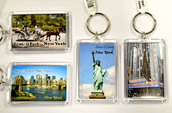 NY PICTURE KEYCHAIN