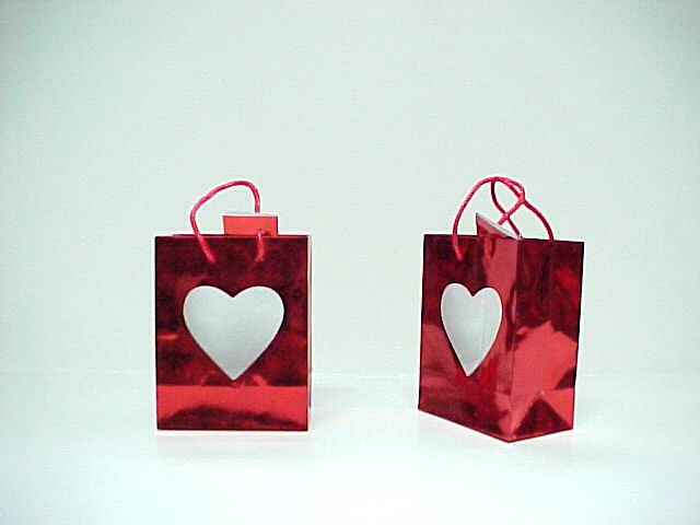 RED LASER WINDOW HEART BAg - 5.5